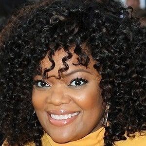 Yvette Nicole Brown 2 of 10