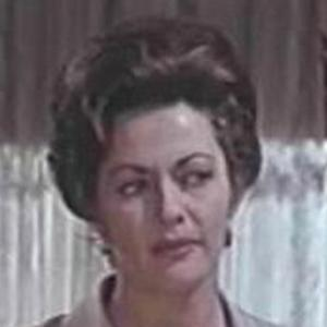 Yvonne DeCarlo 5 of 9