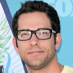 Zachary Levi 6 of 10