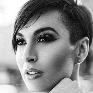 Zahra Elise 2 of 5