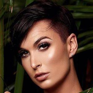 Zahra Elise 3 of 5