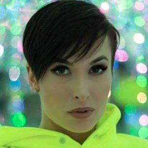 Zahra Elise 5 of 5