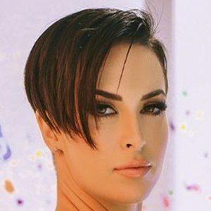 Zahra Elise Headshot 7 of 10