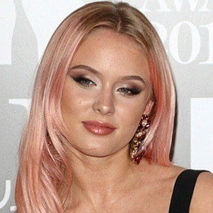 Zara Larsson 5 of 6