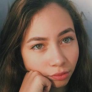Zeynep Bostanci 6 of 8