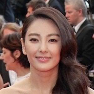 Zhang Yuqi 2 of 3