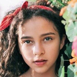 Zoe Arévalo 2 of 3