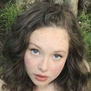 Zoe Colletti 8 of 10