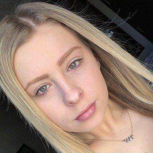 Zoe Hunter 5 of 10