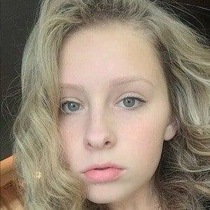 Zoe Hunter 6 of 10