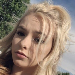 Zoe LaVerne 5 of 6