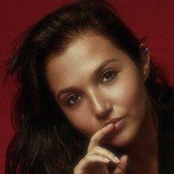 Mia McKenna-Bruce