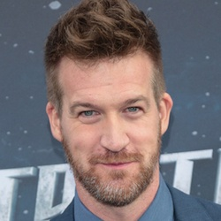 Kenneth Mitchell - Bio, Facts, Family | Famous Birthdays