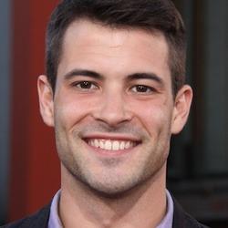 Kyle R Robinson