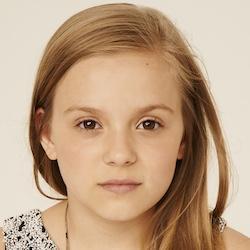 Maisy Stella